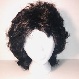 Paula Young WhisperLite mid-length wavy layer Wig